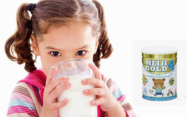 Sữa bột Meiji Gold 4