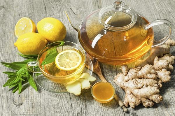 Cách giải rượu bằng mật ong kết hợp hoa bạc hà