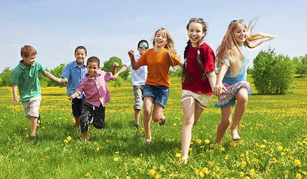 Vận động giúp trẻ tăng trưởng chiều cao