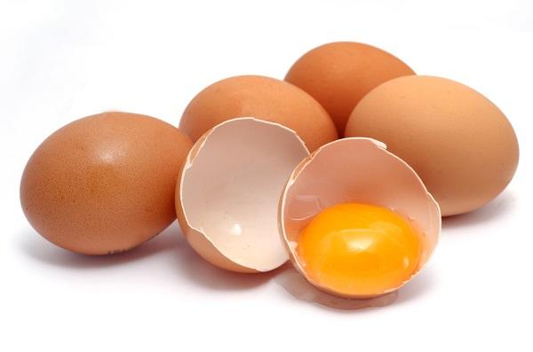 Trứng, đặc biệt là trứng cút