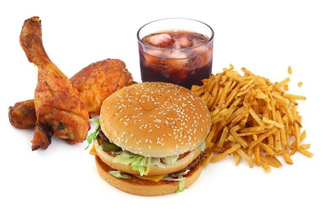 Thực phẩm người bị bệnh tim mạch nên tránh