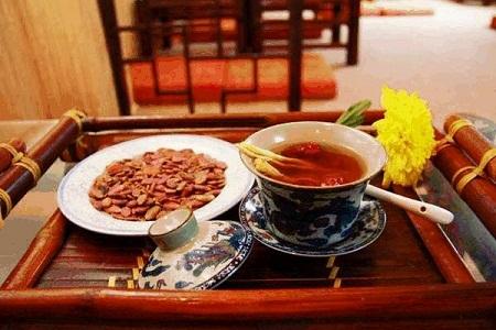 Huyết áp cao nên uống trà gì?