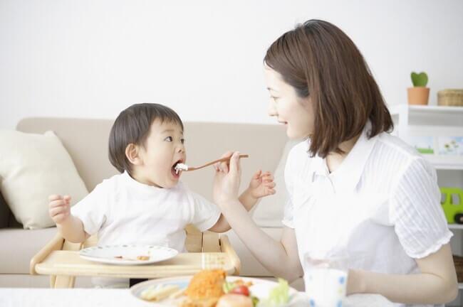 Những lưu ý khi mẹ bổ sung DHA cho trẻ