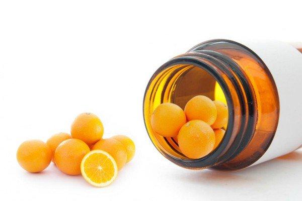 Bổ sung uống collagen và vitamin C đúng cách
